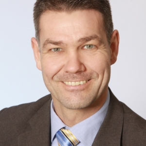 Porträt von Pfarrer Peter Neubert